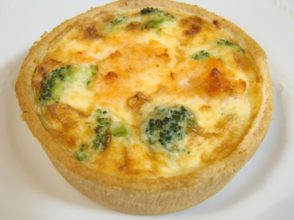 Ourserie.com - Lochmuir smoked salmon & broccoli quiche